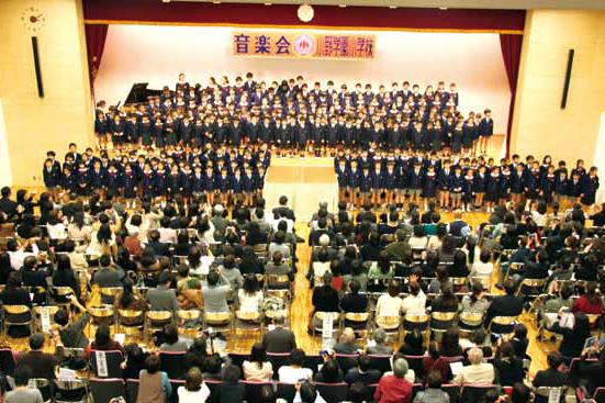 品川翔英80周年記念講堂